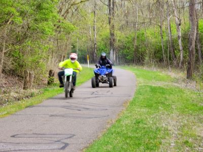 Motorcycles on trail 400