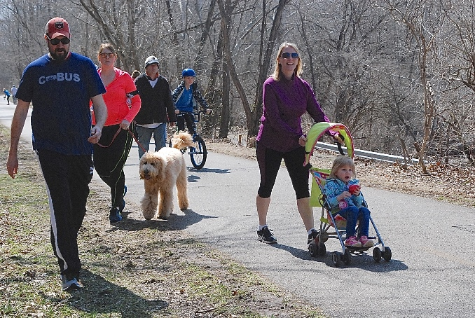 Multi use trail people 678